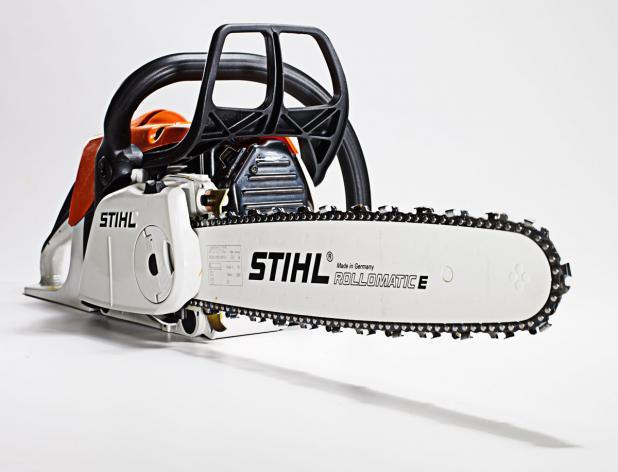 Where to find 18  GAS CHAIN SAW KIT in Calgary
